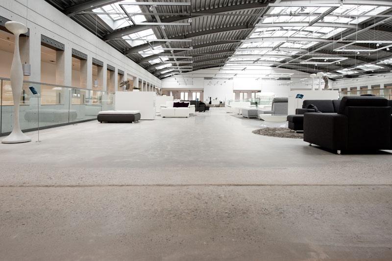 Cooler-Industrieboden-mit-Loft-Charakter